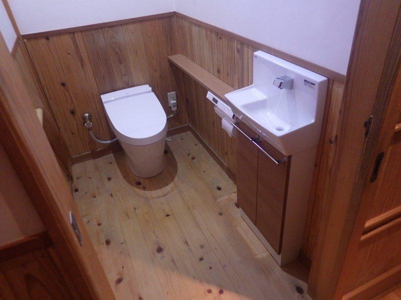 手洗い付きカウンターへ交換したトイレのリフォーム