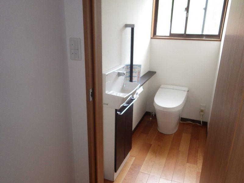 ゆとりのあるトイレ空間へ生まれ変わったトイレのリフォーム