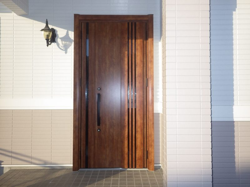 断熱仕様の玄関ドアに交換したリフォーム